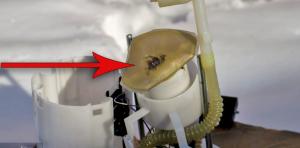 Загрязненная сетка бензонасоса